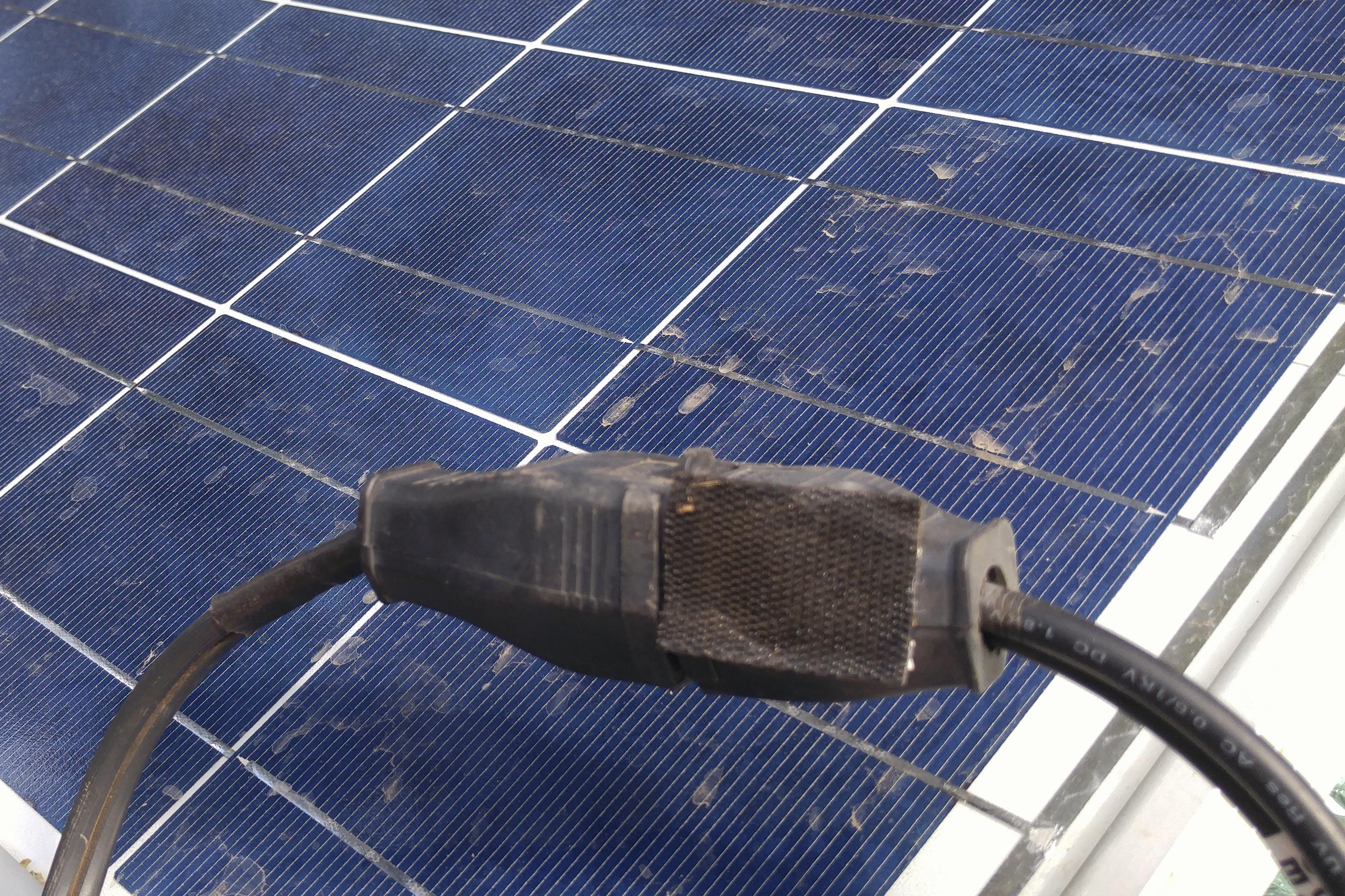 solarplug?w=575&h=383 dual battery solar system  at soozxer.org